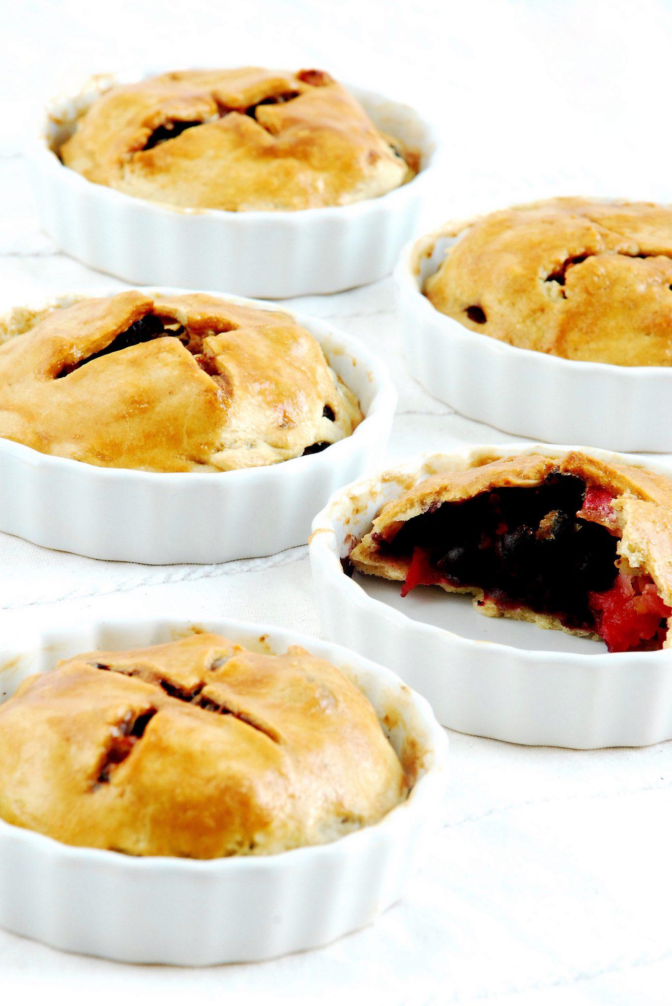 Mini tarty z aronią i jabłkami