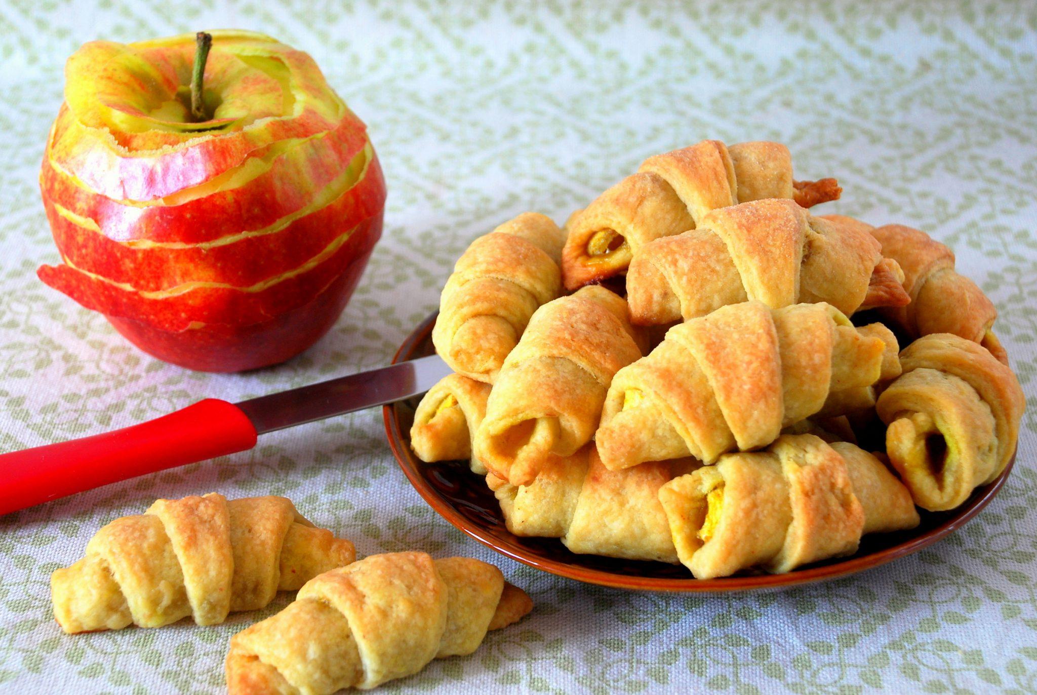 Podwójnie jabłkowe rogaliczki
