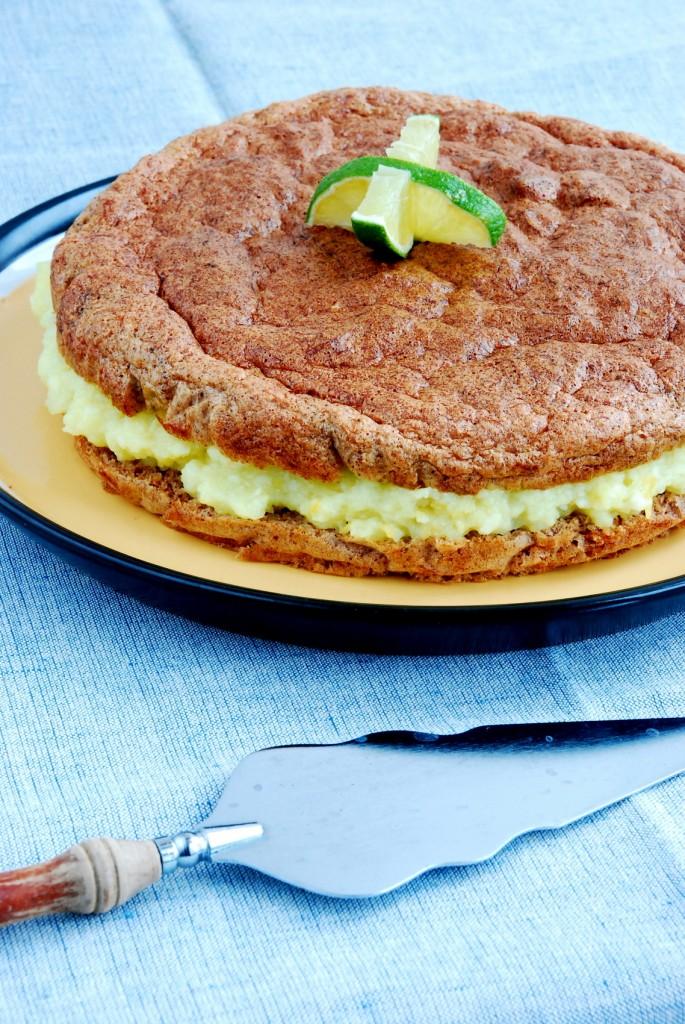 Bezglutenowe ciasto biszkoptowe zcukinią imigdałami