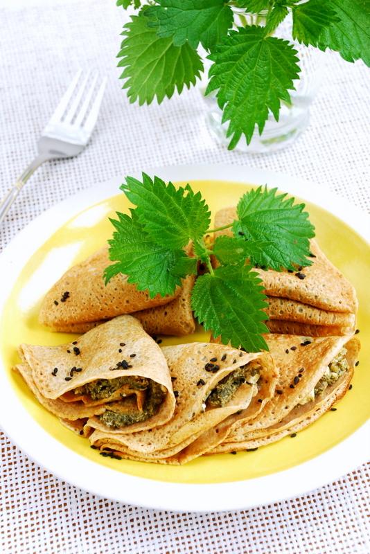 Naleśniki z pokrzywą i kozim serem